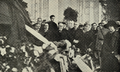 A urna mortuária de Teófilo Braga, exposta no átrio do Congresso, com o Presidente da República e membros do governo - Ilustração Portugueza (09Fev1924).png