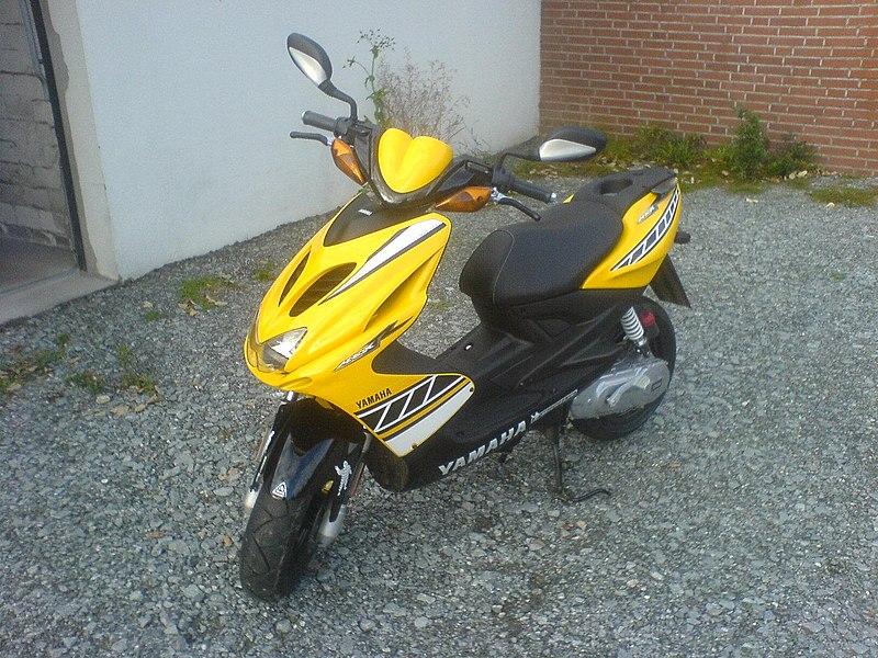 Yamaha Aerox, einer der meistverkauften Motorroller in Deutschland  800px-Aerox