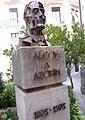 Alcoy - Monumento a Azorín.jpg