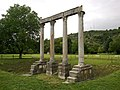 Alpes-Haute-Provence Riez Colonnes Romaines Temple Apollon - panoramio.jpg