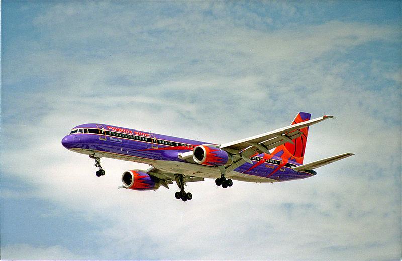 File:America West Boeing 757; N907AW@LAS;01.08.1995 (4709075138).jpg