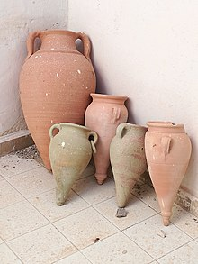 Amphora in Mahdia.jpg