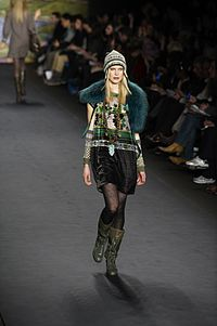 Anna Sui Fall-Winter 2010 041.jpg