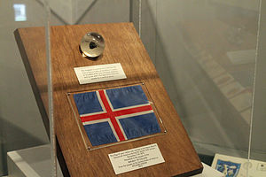The Exploration Museum - Image: Apollo 17 lunar sample display, Iceland