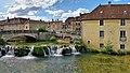 Arbois, pont, barrage et moulin Béchet sur la Cuisance.jpg