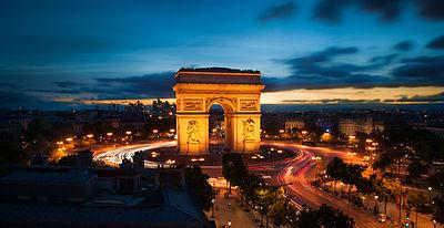 Arc de Triomphe vu depuis la Terrasse Publicis.jpg