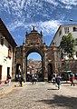 Arco de Santa Clara, Cuzco.jpg
