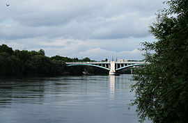 The Pont d'Argenteuil over the River Seine