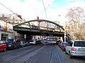 Bělehradská, železniční most, pohled k Nuselským schodům.jpg