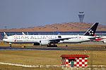 B-2032 - Air China - Boeing 777-39L(ER) - Star Alliance Livery - PEK (12816320385).jpg