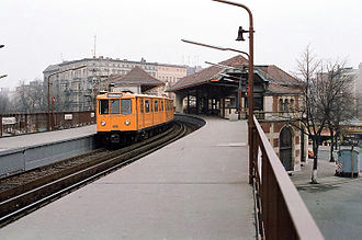 Schlesisches Tor (Berlin U-Bahn) - The platform level of the station, in 1984