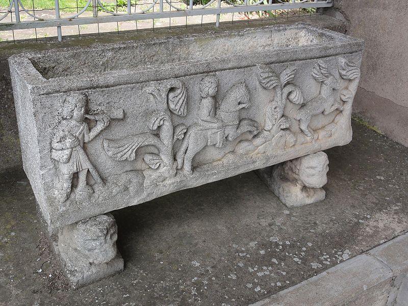 Baccarat (M-et-M) chapelle Notre Dame, relief sur bassin
