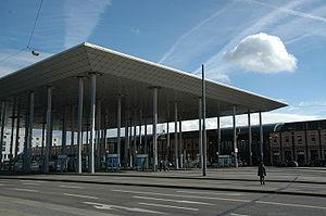 Kassel-Wilhelmshöhe station - Tram stop and station entrance