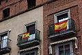 Banderas españolas en balcones.jpg