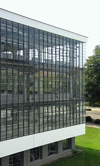 Curtain wall (architecture) - Glass curtain wall of the Bauhaus Dessau, 1926