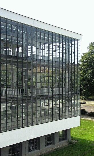 Curtain wall (architecture) - Glass curtain wall of the Bauhaus Dessau, 1926