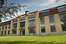 Das Hauptgebäude Der Heutigen Bauhaus Universität Weimar. 1904−1911 Nach  Den Entwürfen Von Henry Van De Velde Errichtetes Ateliergebäude Der ...