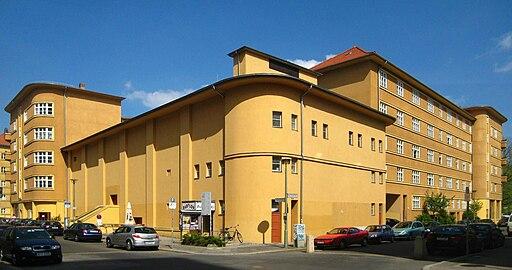 Berlin, Mitte, Rosa-Luxemburg-Strasse 30, Wohnanlage und Kino Babylon 01