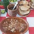 Birria con consomé de Aguascalientes.jpg