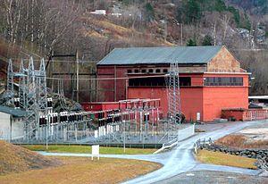 Ålvik - Nye Bjølvo hydroelectric power plant. The original building is seen in the background.