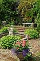 Blomstrande trädgård vid Hildasholm.jpg
