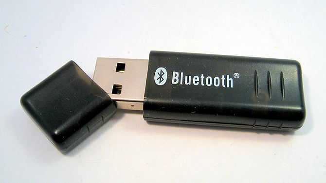 English: a bluetooth dongle
