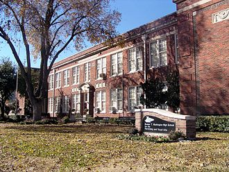 Dallas Independent School District - Image: Booker T. Washington High School for the Performing and Visual Arts