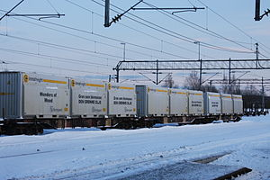 Borregaard - Train carrying spruce-based biomass from Borregaard, at Sarpsborg station.