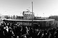 BrandenburgerTorDezember1989-sw.jpg