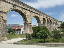 Bridge of the Diocletian aqueduct in Split.jpg