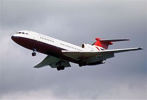 Hawker Siddeley Trident - Hawker Siddeley Trident 2E on approach to London Heathrow Airport
