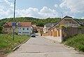 Brno-Ivanovice - pohled na domy při nejsevernější části ulice Hatě.jpg