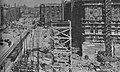 Budowa MDM w Warszawie kwiecień 1952.jpg