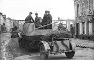"""Bundesarchiv Bild 101I-297-1701-34, Im Westen, Jagdpanzer """"Marder I"""""""