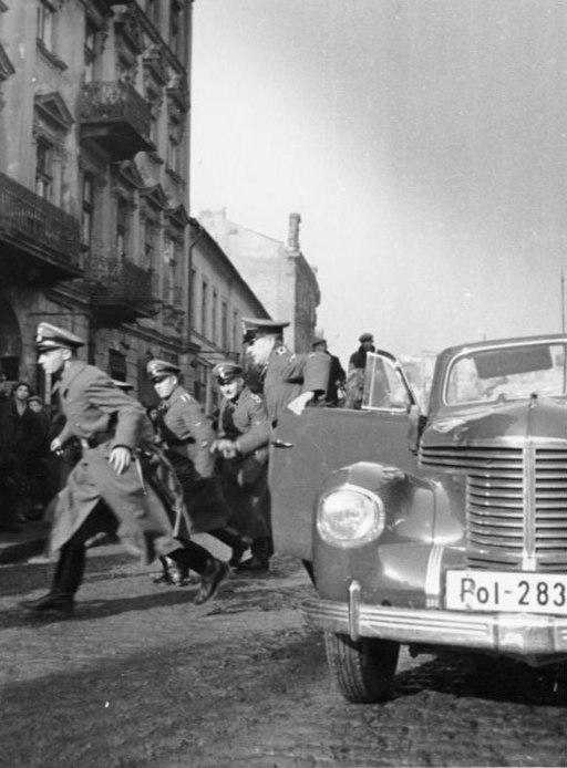 Bundesarchiv Bild 146-1971-067-07, Sicherheitsdienst in Polen, Razzia