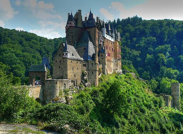 File Burg Eltz Wikimedia Commons