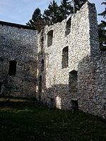 File:Burg Klingenstein, Mauer.jpg
