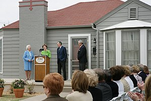 Midland, Texas - Barbara Bush, Laura Bush, George H. W. Bush at the dedication of the George W. Bush Childhood Home in 2006