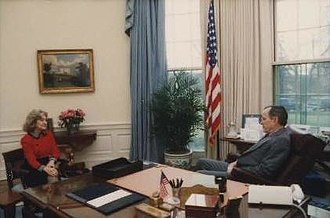 Kay Bailey Hutchison - Hutchison with President George H. W. Bush in 1991