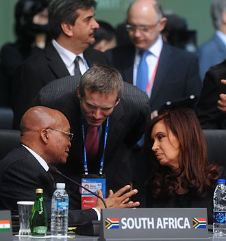 Jacob Zuma - Argentinean President Cristina Fernández and South African President Zuma in discussion
