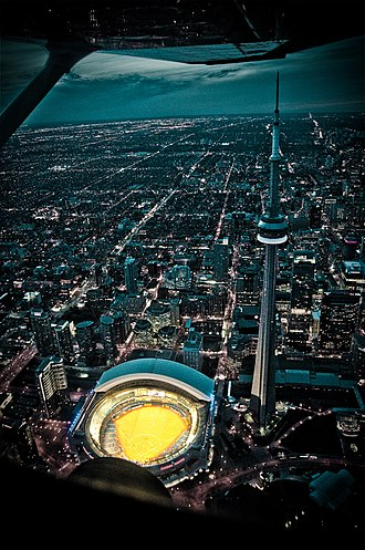 Tourism in Canada - The CN Tower is a major tourist attraction in Toronto.