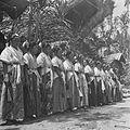 COLLECTIE TROPENMUSEUM Danseressen tijdens een dodenfeest van de Toraja in Sadang TMnr 10028491.jpg