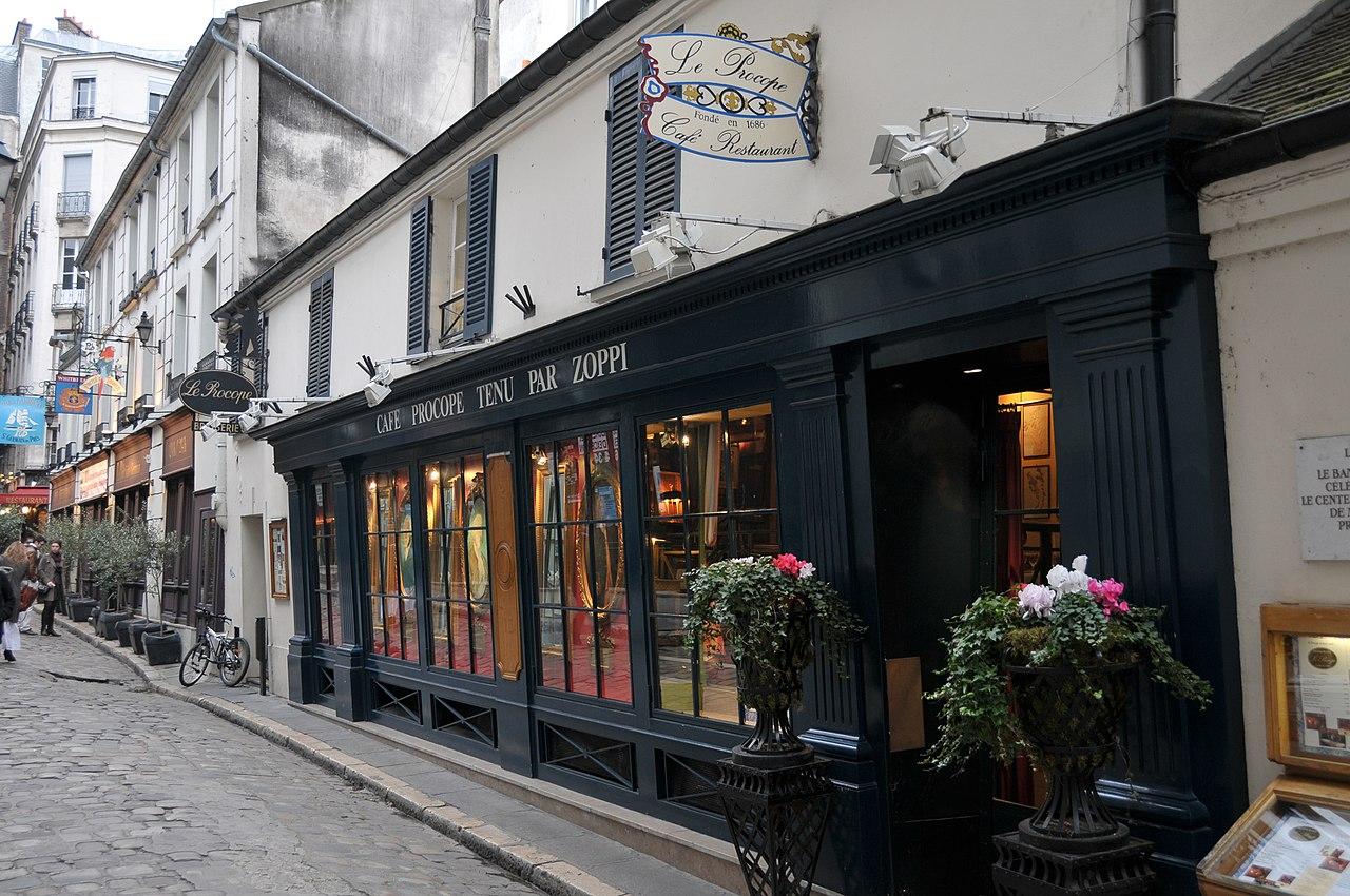 Caf Rue Du Cirque Romain