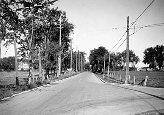 Carling Avenue - Carling Avenue as seen from Merivale Road in the 1920s...