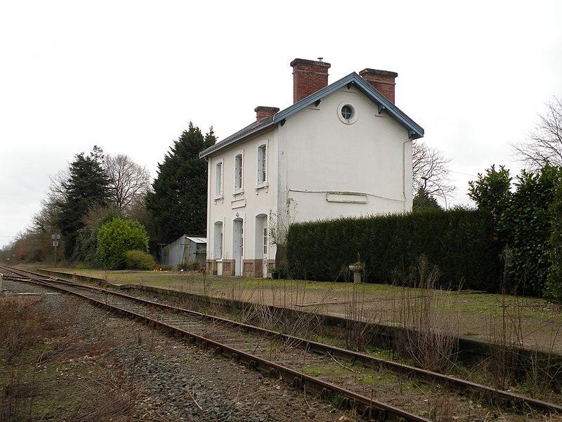 Former  railway station of Carquefou