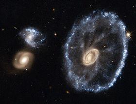 """Résultat de recherche d'images pour """"galaxie de la roue de chariot"""""""