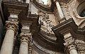 Catedral de València, porta dels ferros, capitells, entaulament i cornises.JPG