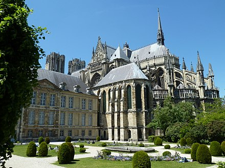 Notre-Dame de Reims is the Roman Catholic cathedral where the kings of France were crowned until 1825. Cathedrale10.jpg