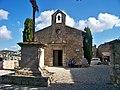 Chapel in les Baux de Provence (7181070168).jpg