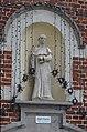 Charleroi - chapelle Saint-Fiacre - 04 - statue par Charles Delporte en 1956.jpg